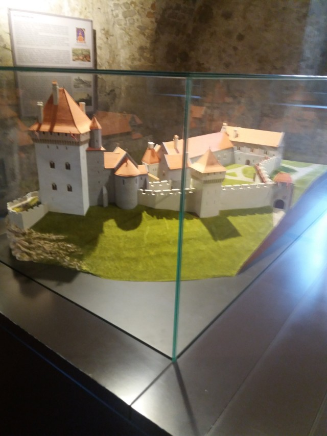makett az esztergomi várról